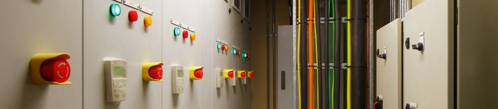 Electrical_switch_gear_and_circuit_breakers1000x220
